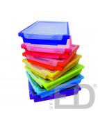 Пластикові ящики та коробки для зберігання шкільних речей